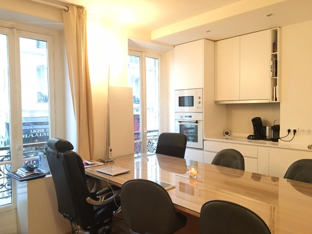 louer poste de travail dans un open space rue des martyrs paris. Black Bedroom Furniture Sets. Home Design Ideas