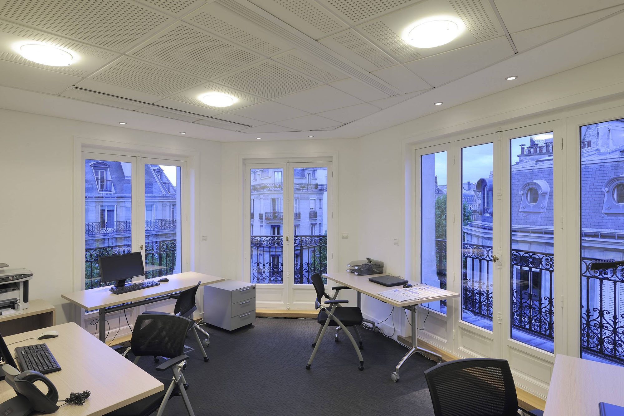 coworking space champs elysees paris. Black Bedroom Furniture Sets. Home Design Ideas