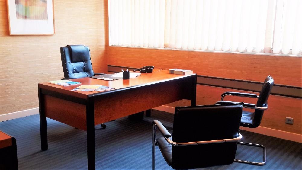 Bureau louer pour 3 personnes maximum toulouse for Bureau a louer