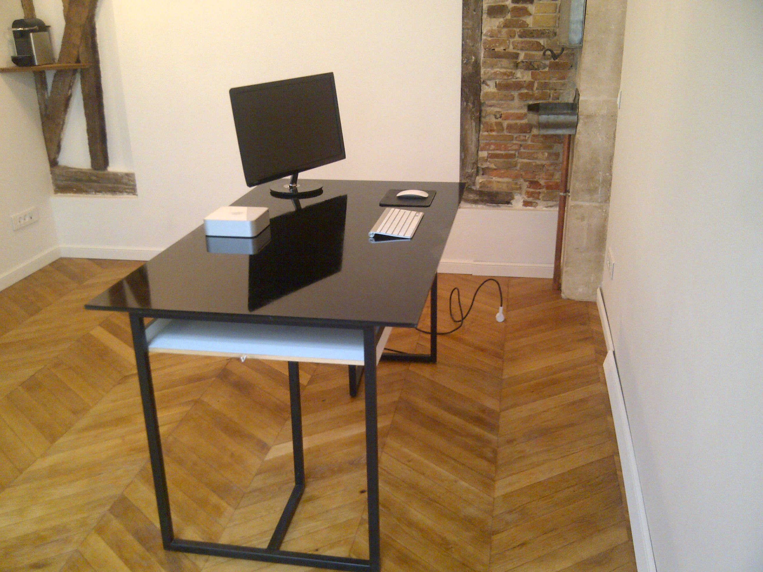 bureau atelier avec pignon sur rue dans le 17 me arrondissement. Black Bedroom Furniture Sets. Home Design Ideas