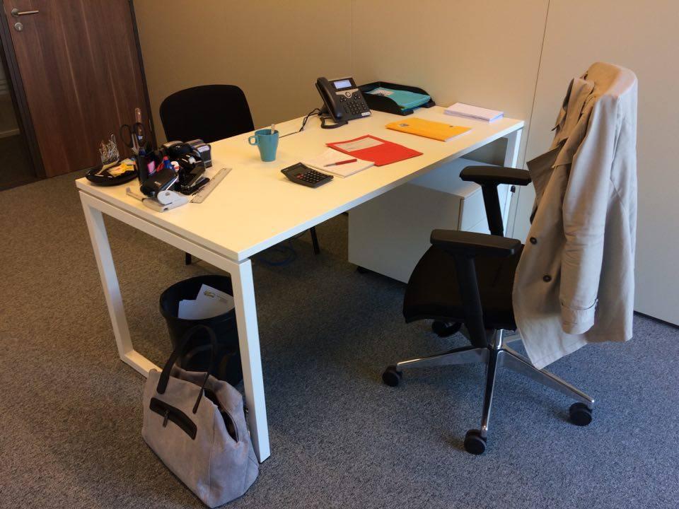 bureau individuel pour entretien ou recrutement libramont chevigny espace de travail la. Black Bedroom Furniture Sets. Home Design Ideas