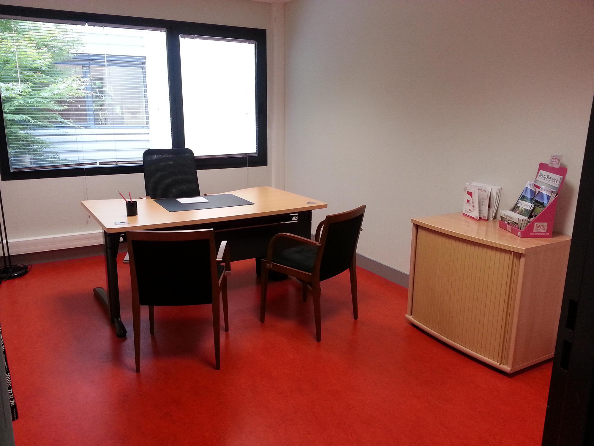 bureau bourges bureau de poste bourges 28 images le bureau de poste de l avenue marcel haegelen. Black Bedroom Furniture Sets. Home Design Ideas