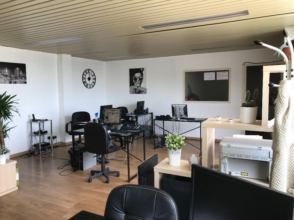 coworking ris orangis espace de travail 50m pour r union d 39 quipe. Black Bedroom Furniture Sets. Home Design Ideas