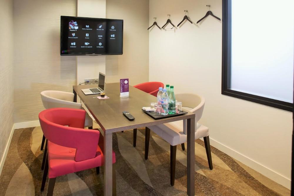 location salle de travail pour 5 personnes paris. Black Bedroom Furniture Sets. Home Design Ideas