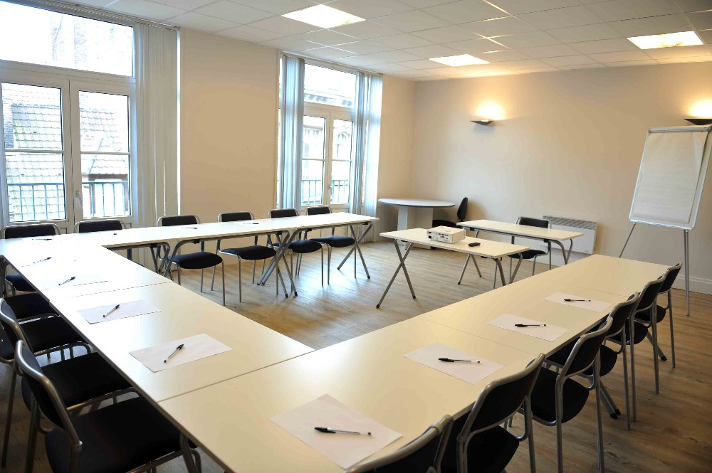 Modular Classroom Rental ~ Book modular meeting room near lille flandres station