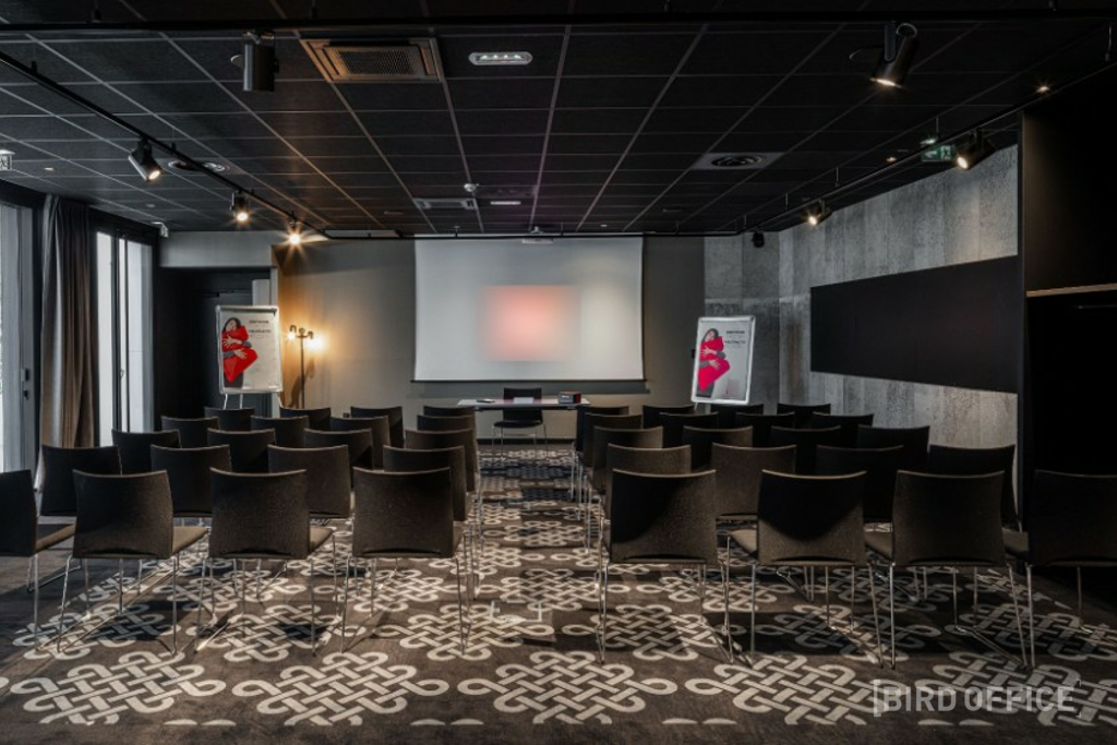 Corporate Event Space In The Light Of Day Le Mans