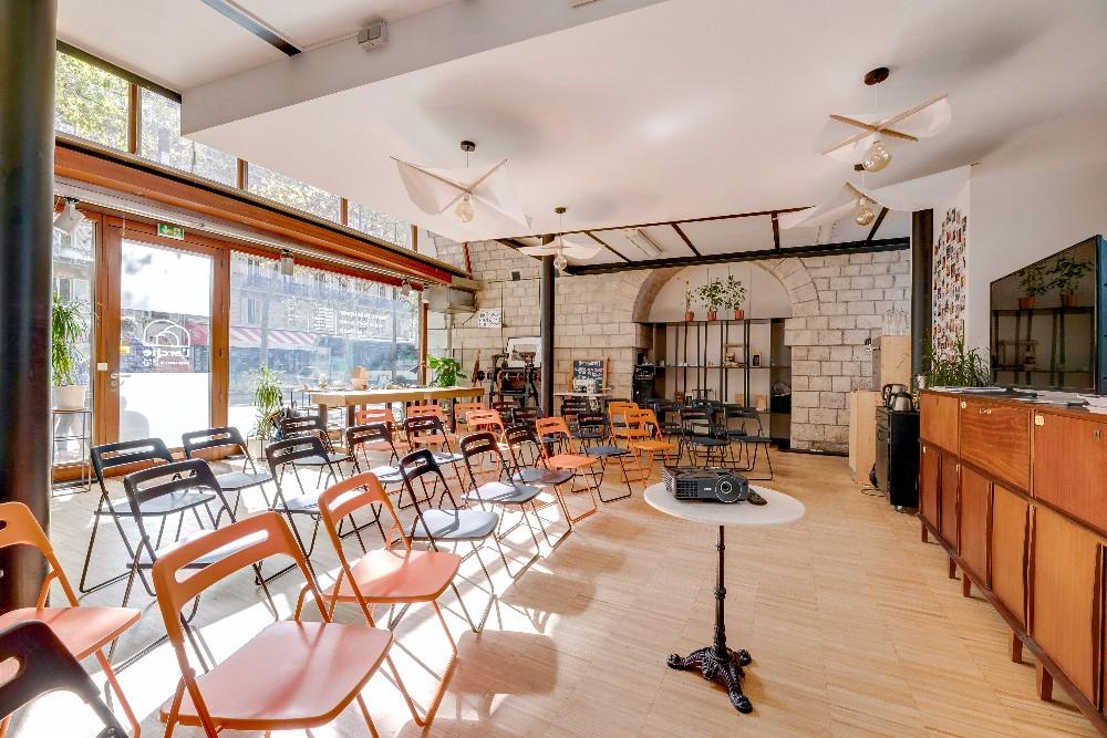 lieu atypique paris bastille espace lumineux de 95m. Black Bedroom Furniture Sets. Home Design Ideas