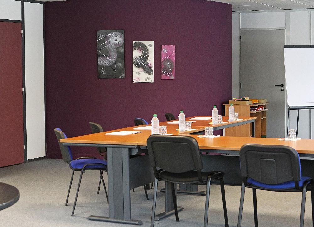 location d 39 une salle de conf rence proche gen ve a roport. Black Bedroom Furniture Sets. Home Design Ideas