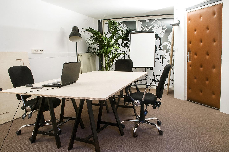 location salle de formation pour 6 personnes paris proche parc des buttes chaumont. Black Bedroom Furniture Sets. Home Design Ideas