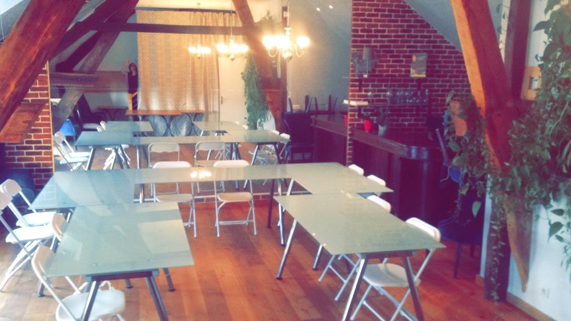 Location salle de r union pour 30 personnes saclay for Materiel salle restaurant
