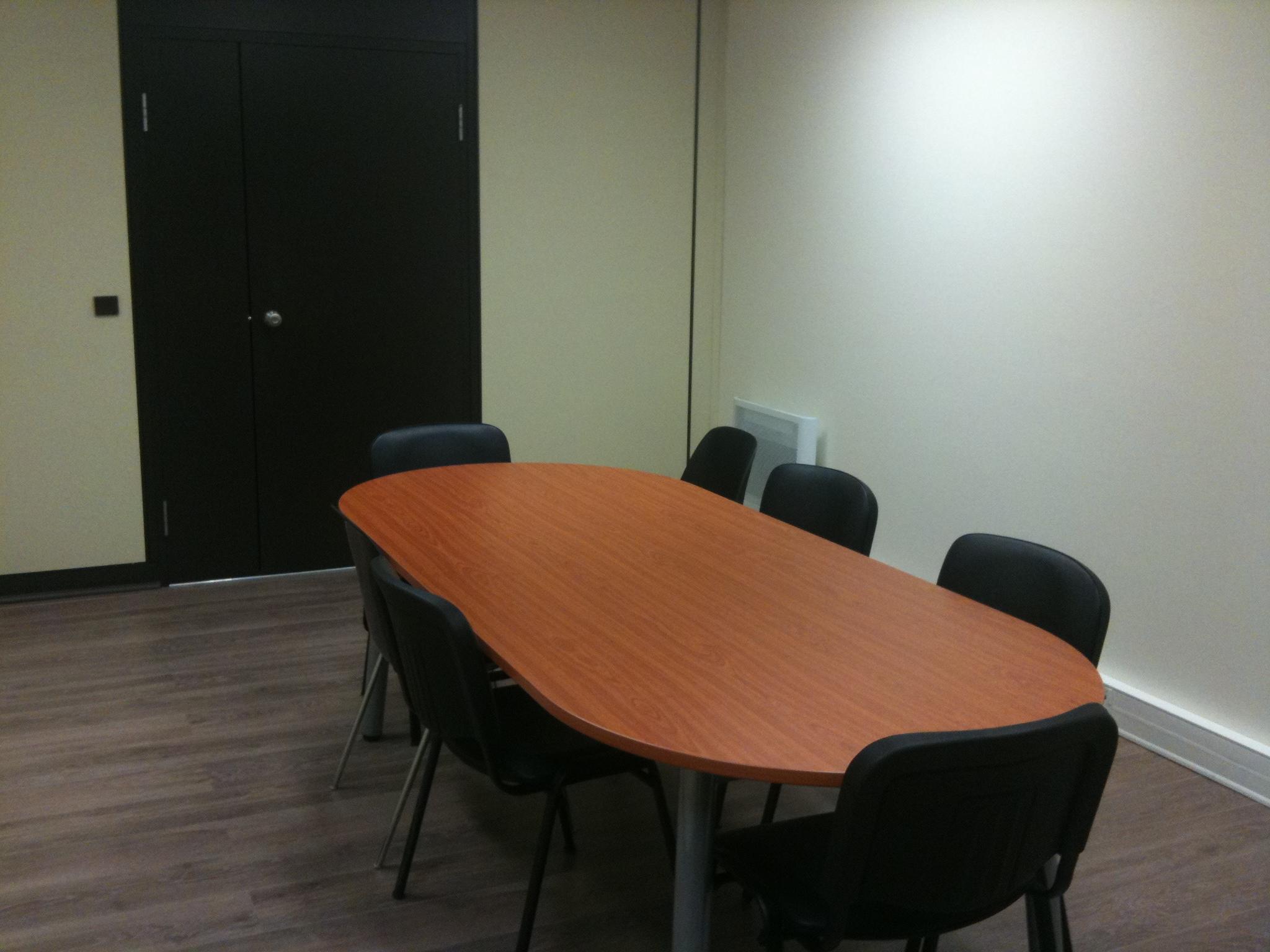 Location d 39 une salle de r union et formation cergy for Piscine cergy prefecture
