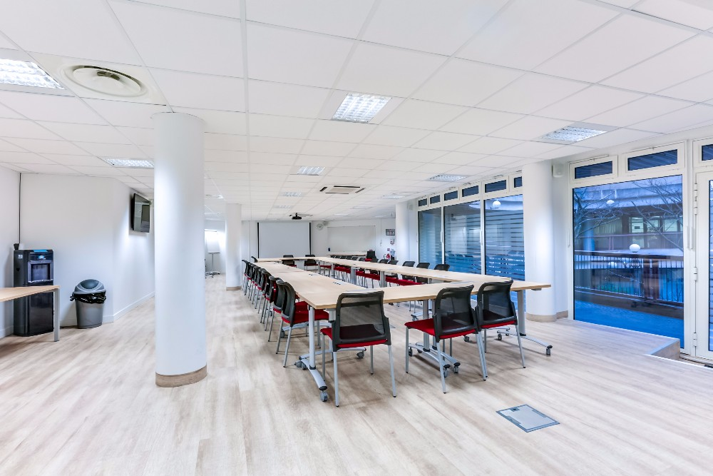 rent large and pretty meeting room in montparnasse