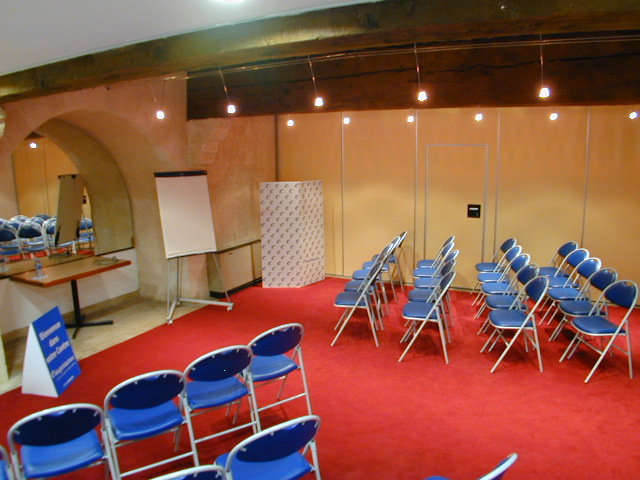 location salle de conf rence pour 40 personnes marseille centre ville. Black Bedroom Furniture Sets. Home Design Ideas
