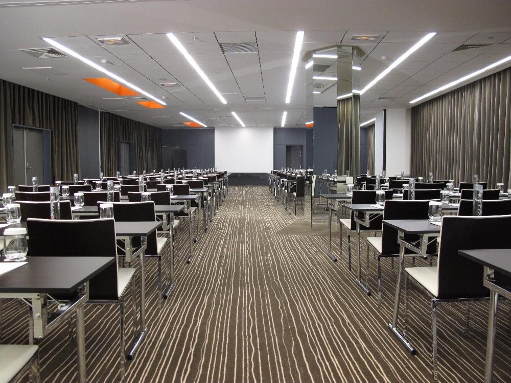 location salle de r ception luxueuse de 200m2 dans le 8 me arrondissement paris. Black Bedroom Furniture Sets. Home Design Ideas