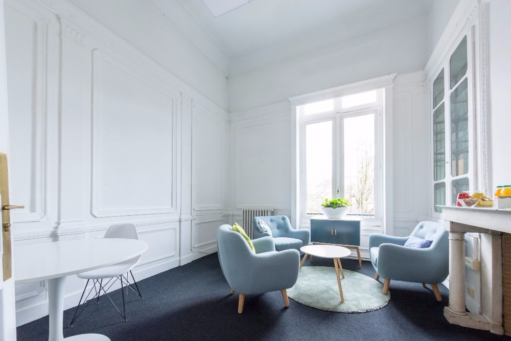 louer ce bureau lumineux roubaix espace calme. Black Bedroom Furniture Sets. Home Design Ideas