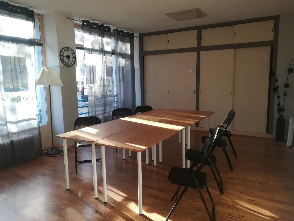 louer espace de formation chaleureux de 15m2 grenoble. Black Bedroom Furniture Sets. Home Design Ideas
