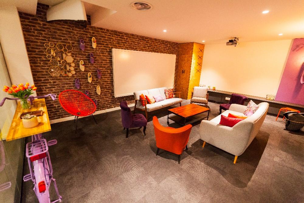 louer salle de r union agr able pour 10 12 personnes dans le 12 me arrondissement de paris. Black Bedroom Furniture Sets. Home Design Ideas