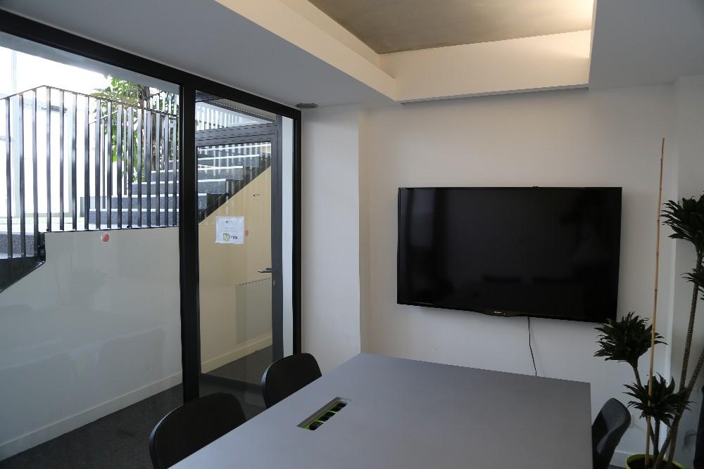 louer salle de r union au kremlin bic tre proche paris pour 6 personnes. Black Bedroom Furniture Sets. Home Design Ideas