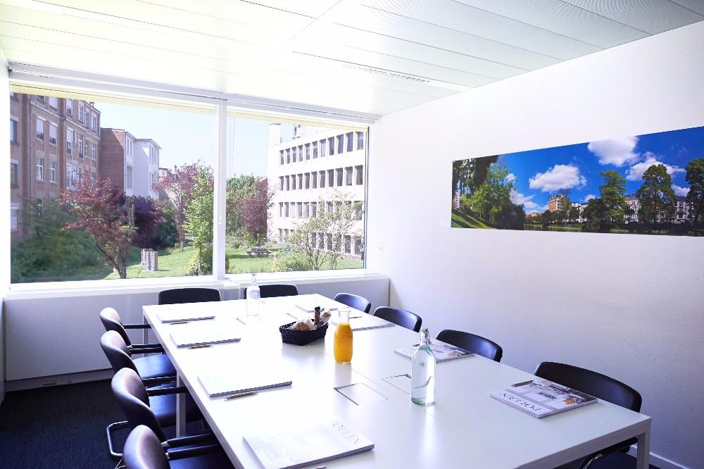 Louer salle de r union avec une belle vue sur jardin sur l for Appartement a louer avec jardin bruxelles