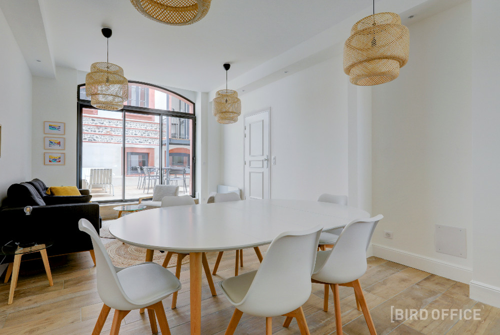 Rent Bright Meeting Room Toulouse Near Gare