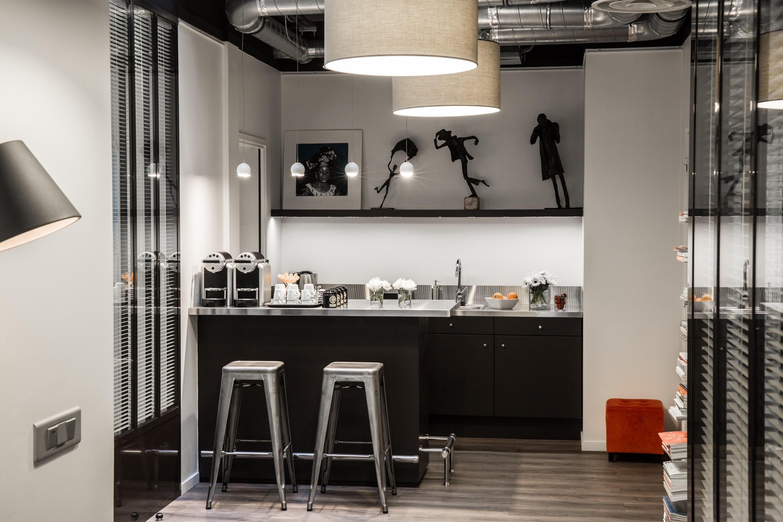 Louer un ancien atelier deux pas des halles de paris - Atelier a louer paris ...