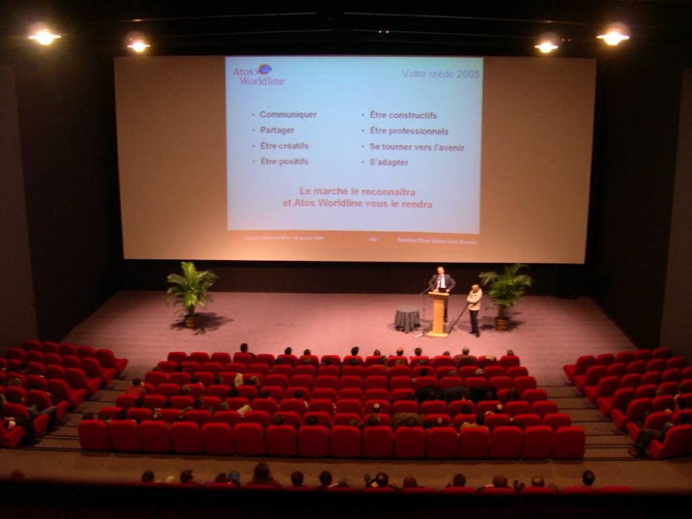louer une salle de conf rence de 260 personnes blois. Black Bedroom Furniture Sets. Home Design Ideas
