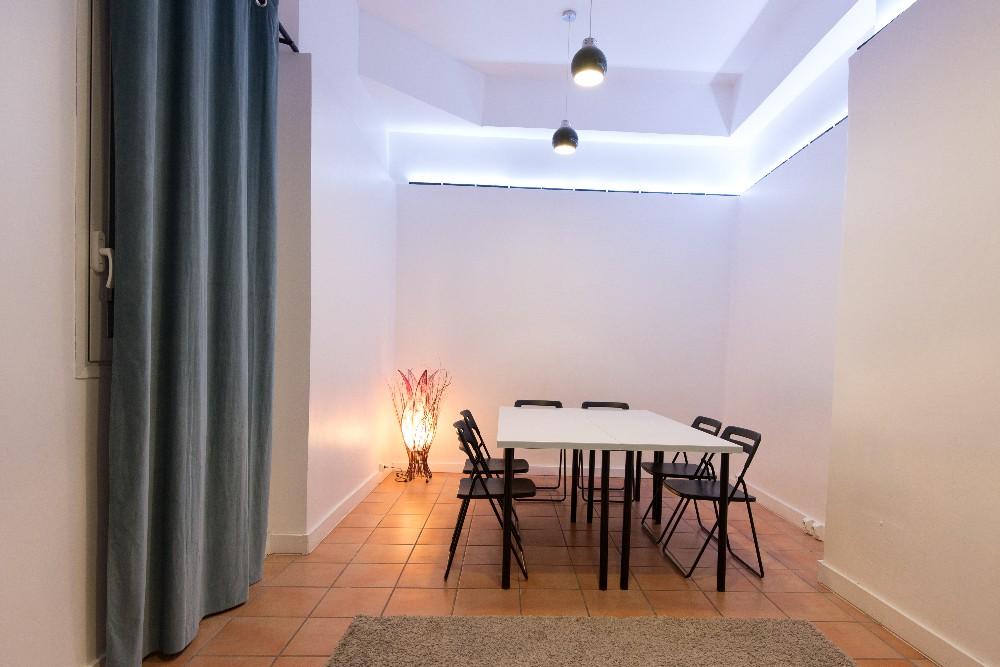 louer une salle de formation de 25 m proximit du centre pompidou. Black Bedroom Furniture Sets. Home Design Ideas