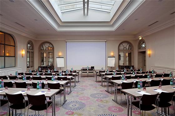 large conference room rental in a paris hotel near the coul e verte. Black Bedroom Furniture Sets. Home Design Ideas