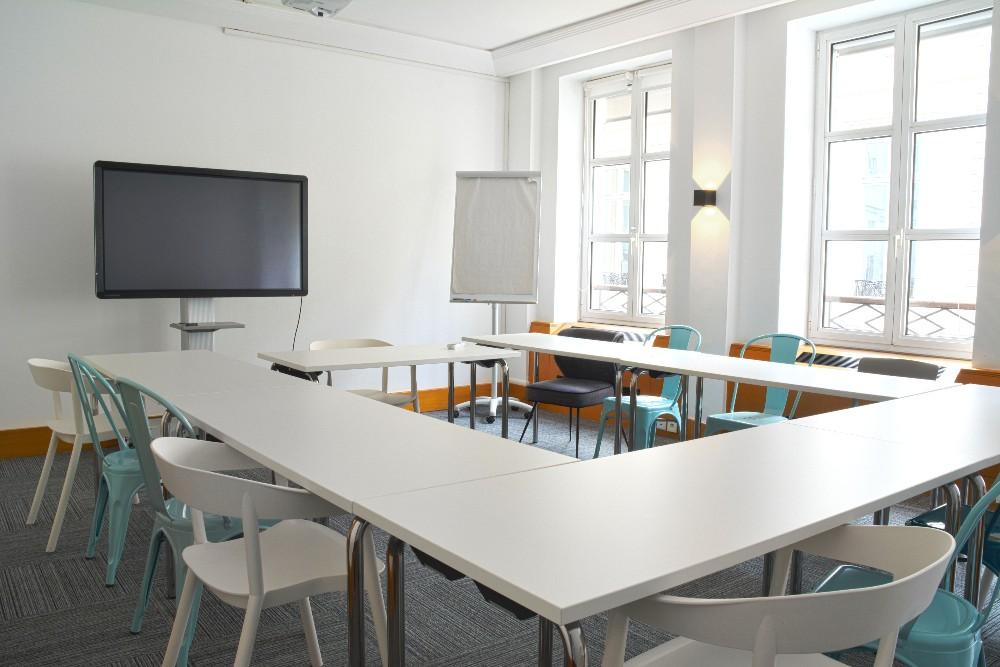 organisation s minaire entreprise paris espace de travail de 28m quip et la lumi re du jour. Black Bedroom Furniture Sets. Home Design Ideas