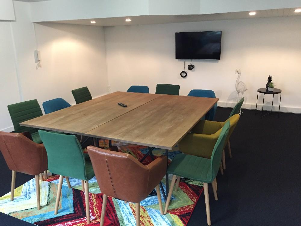 Organiser une r union de travail salle classe et cosy for Salle de pause au travail