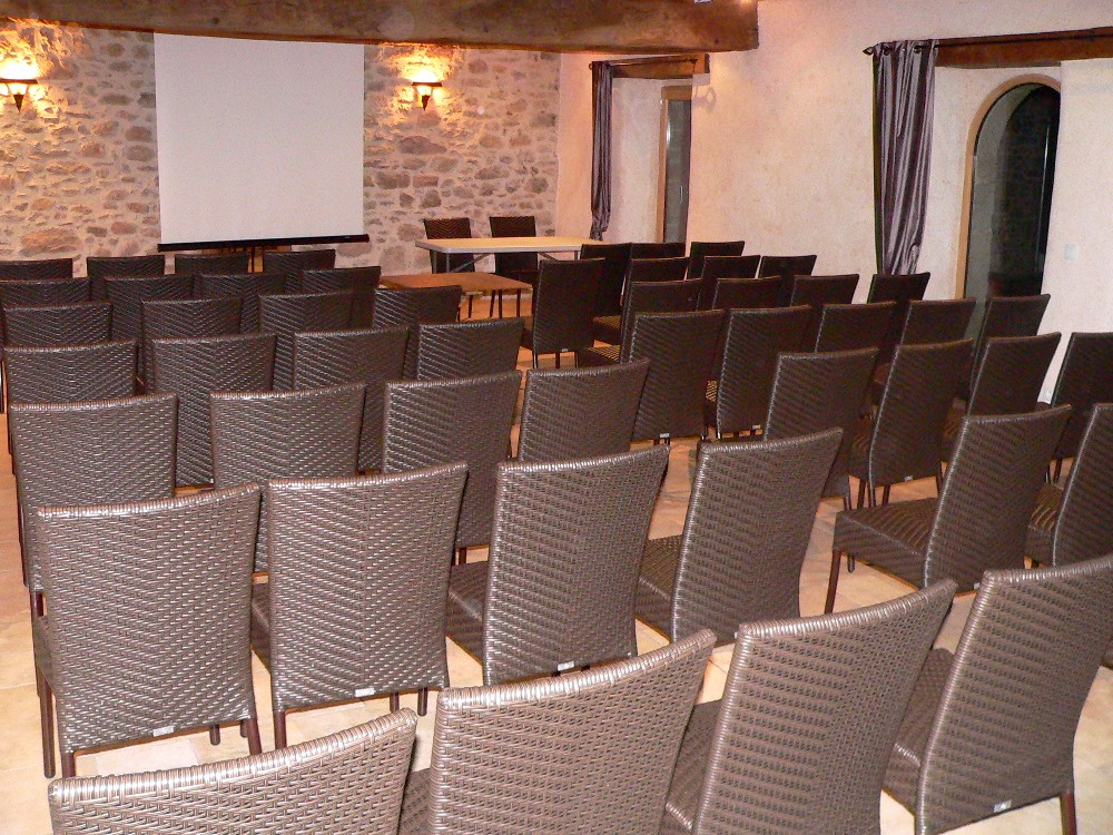 r server salle de formation pour 50 personnes cou ron proche de nantes. Black Bedroom Furniture Sets. Home Design Ideas