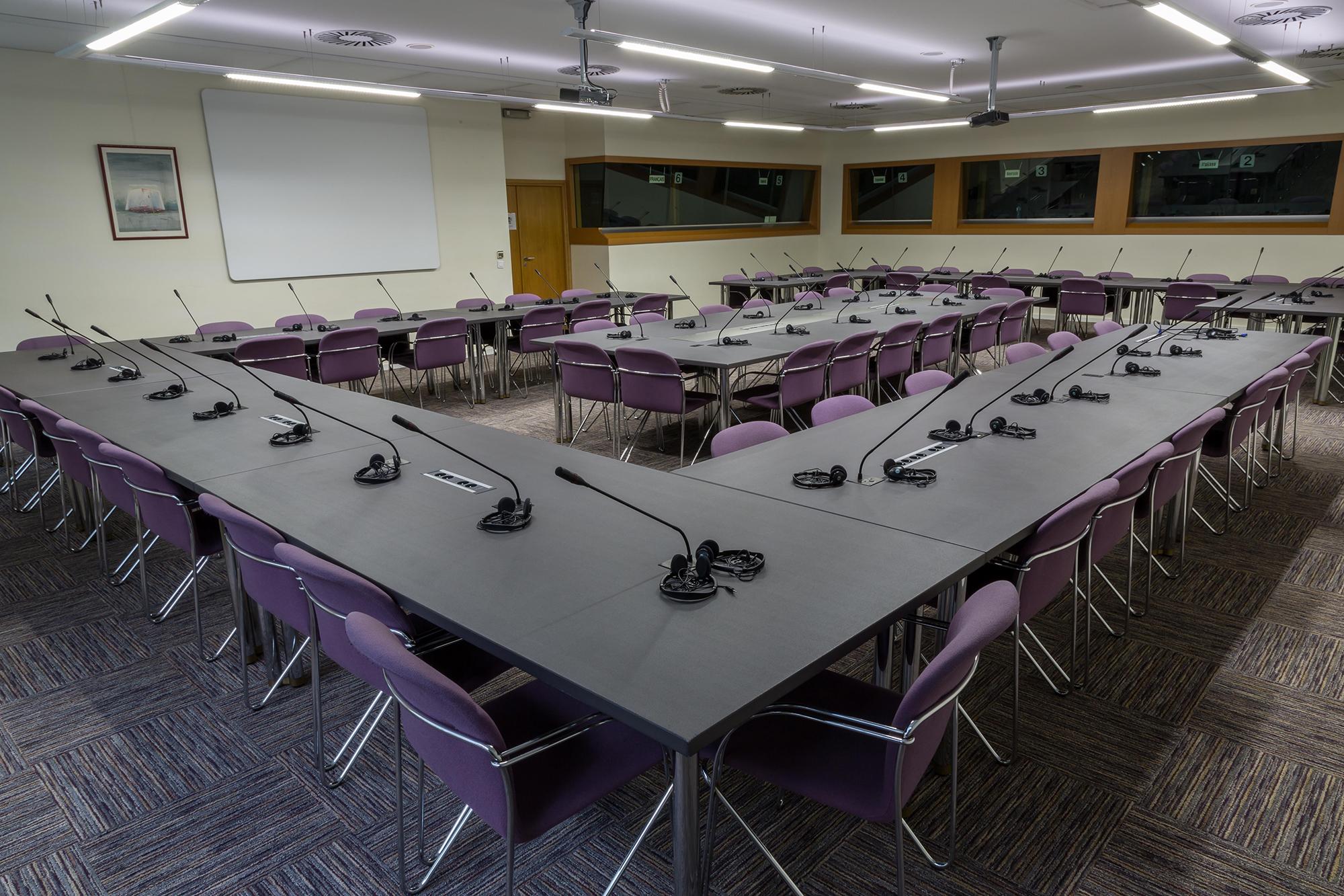 salle de conseil pour 10 personnes dans le quartier d affaires salle f