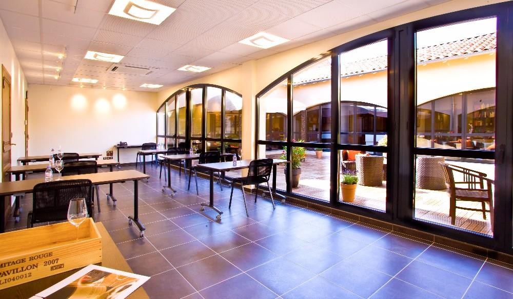 salle de formation c t de valence espace quip. Black Bedroom Furniture Sets. Home Design Ideas