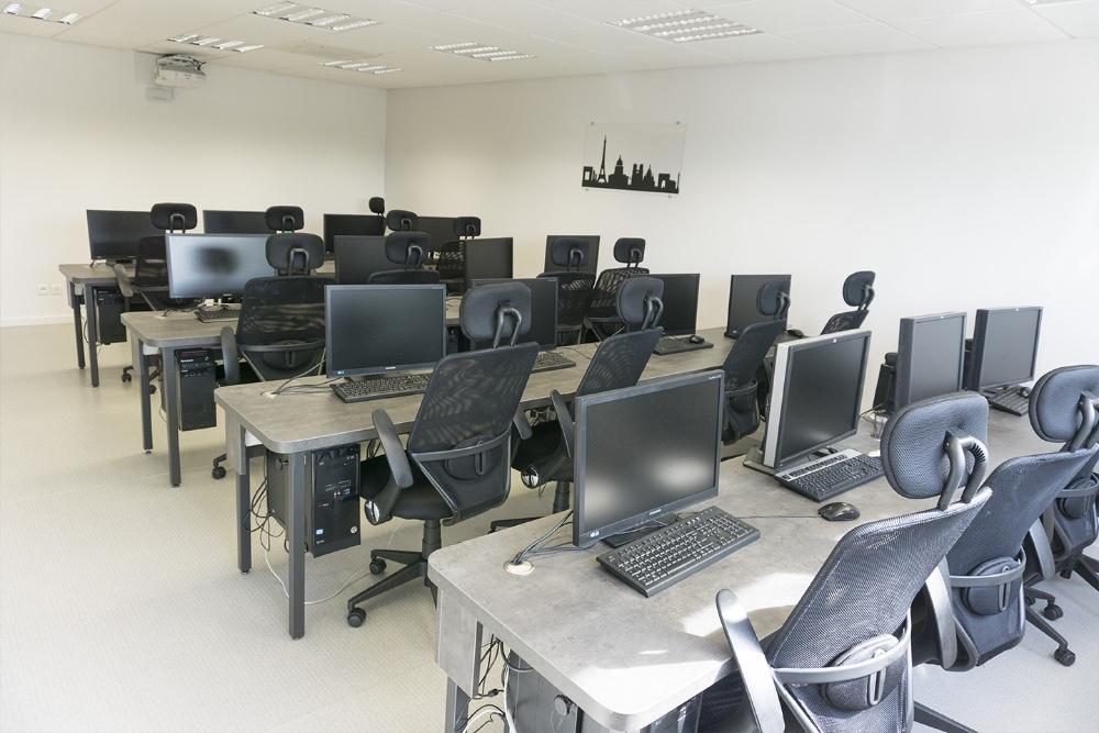 louer salle de formation informatique pour 16 personnes c t de troyes. Black Bedroom Furniture Sets. Home Design Ideas