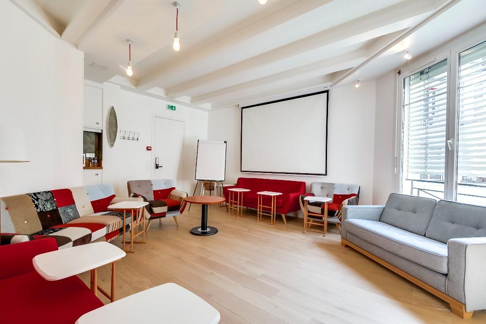 cozy meeting room near place de la madeleine in