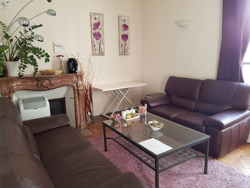 salle de r union de travail tours salon confortable. Black Bedroom Furniture Sets. Home Design Ideas
