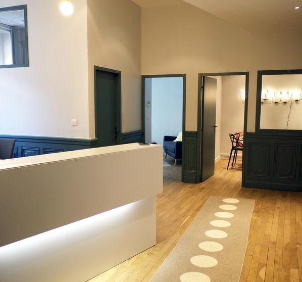 salle de r union design et quip e au coeur de lyon. Black Bedroom Furniture Sets. Home Design Ideas