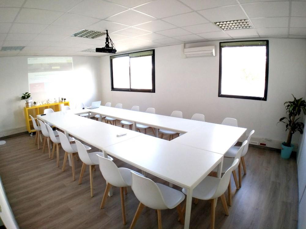 Salle de r union talence proximit de bordeaux salle for Location de studio a bordeaux