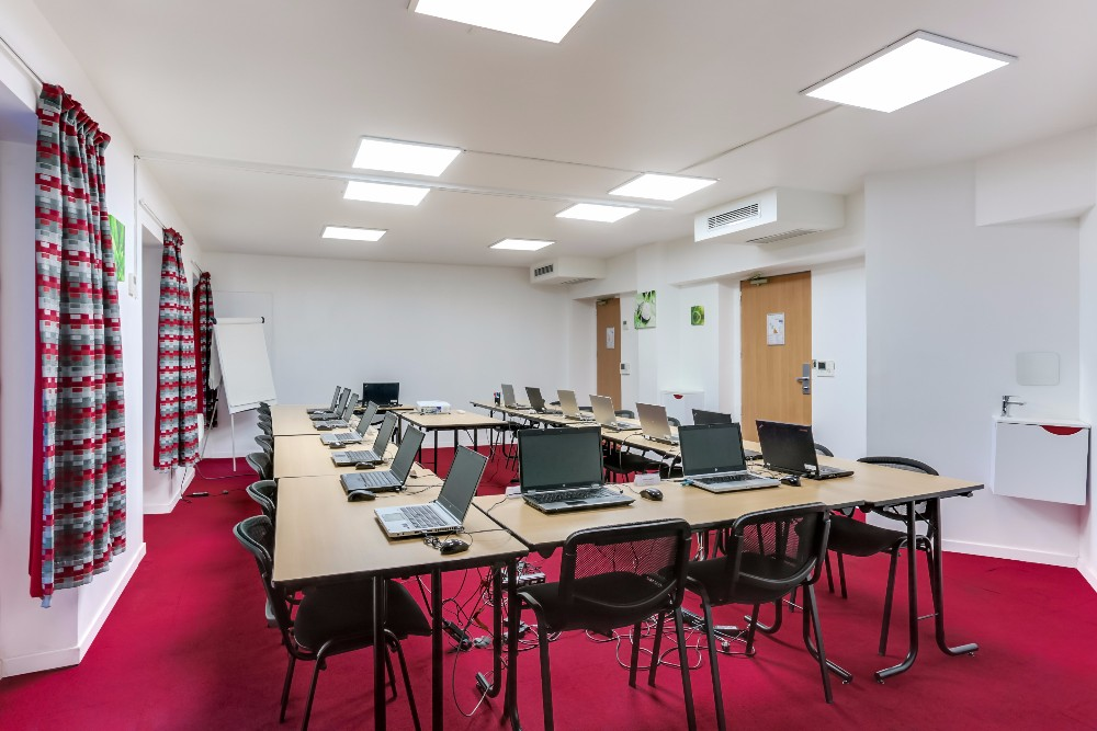 book fully equipped meeting room in europe disctrict near lazare