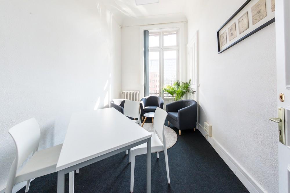 salle id ale pour entretien roubaix bureau lumineux et confortable. Black Bedroom Furniture Sets. Home Design Ideas