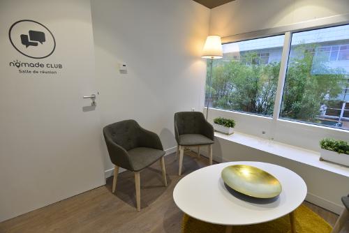 Petite salle de réunion dans le centre de Bordeaux pour 4 personnes