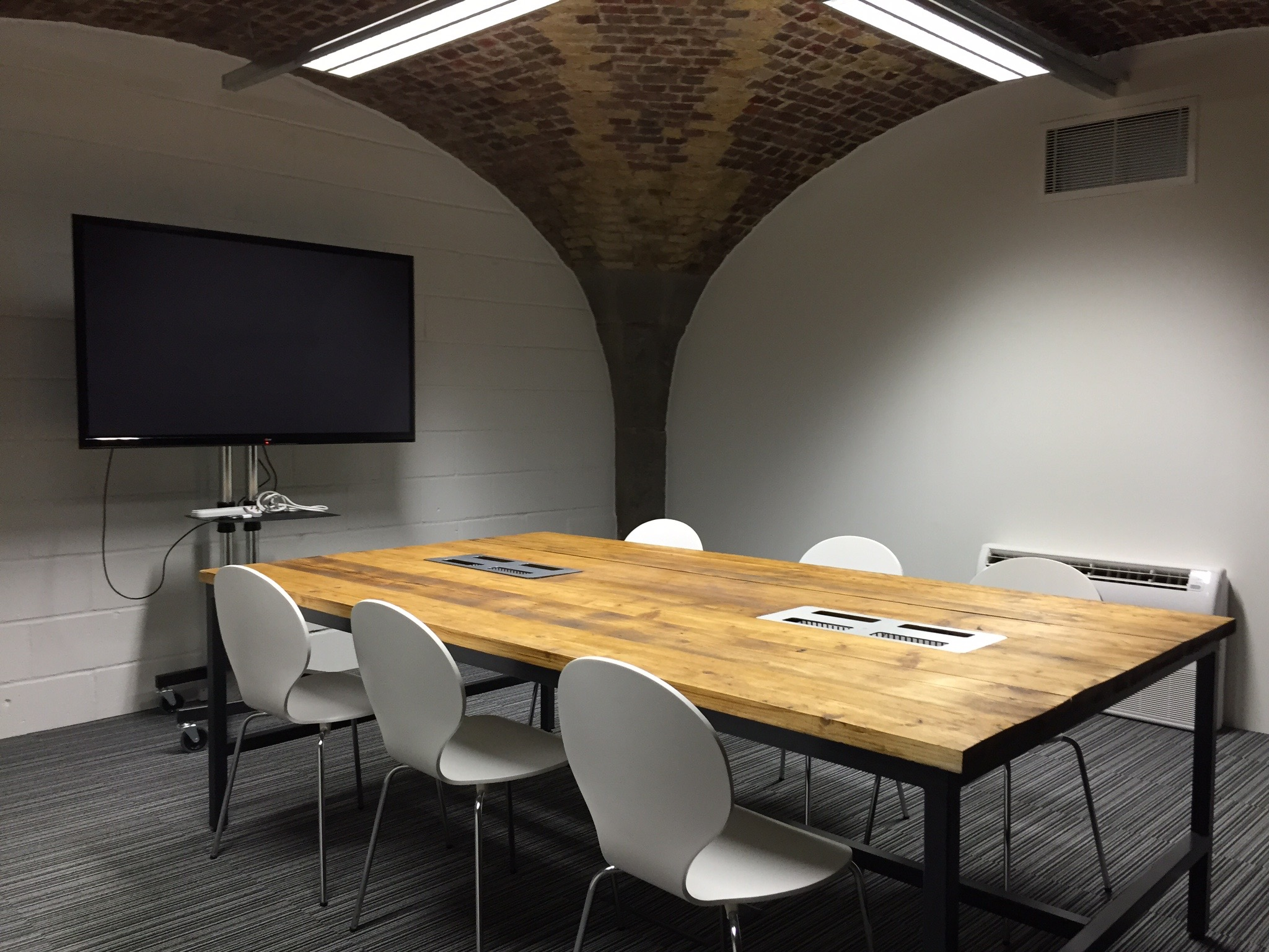 small meeting room for 10 people in london tower hill rh bird office com small meeting rooms near me small meeting rooms near me